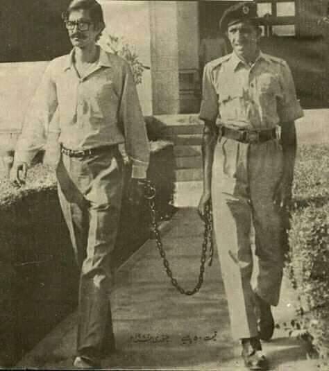১৯৭০ সালে 'স্বাধীন জনগণতান্ত্রিক পূর্ববাংলা' ঘোষণা করার কারণে গ্রেপ্তার হন রাশেদ খান মেনন