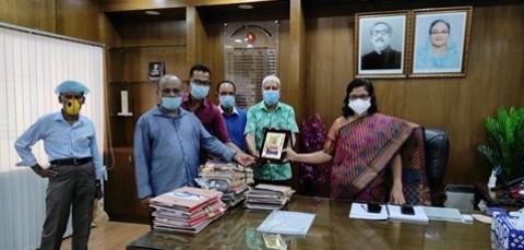 জেলা প্রশাসক নাজিয়া শিরিনকে সাংবাদিক ফোরামের বিদায়ী সম্মাননা প্রদান