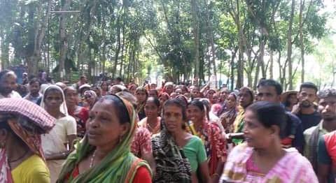 ৪র্থদিনে কমলগঞ্জের ২৩ চা বাগানে শ্রমিকদের কর্মবিরতি ও সড়ক অবরোধ