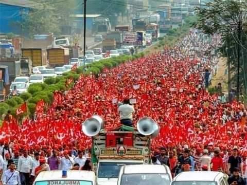 ভারতের রাজধানী দিল্লি কার্যত ঘিরে ফেলেছেন কৃষকরা
