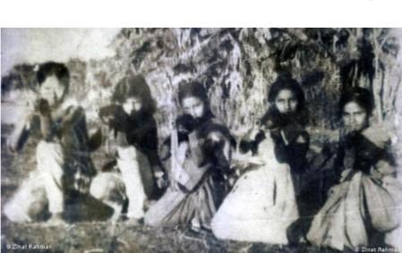 বীর মুক্তিযোদ্ধা পাপড়ি বসু সাংস্কৃতিক কর্মকান্ডের মাধ্যমে মুক্তিযুদ্ধের জন্য অর্থ সংগ্রহ করেছিল