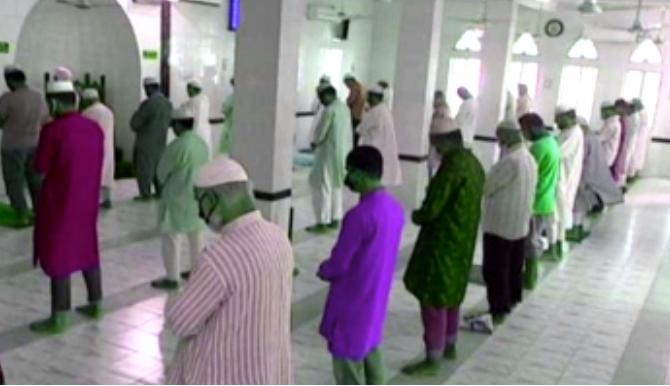 মসজিদে নামাজ আদায়ে ধর্ম মন্ত্রণালয়ের নতুন নির্দেশনা